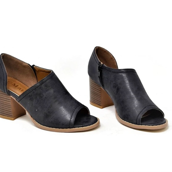 98b7f82c52b1c boutique brand Shoes | New Black Side Cutout Open Toe Ankle Booties ...